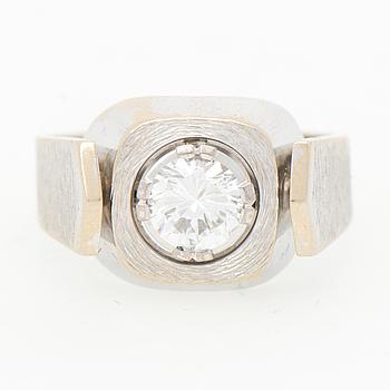 RING, briljantslipad diamant, 18K vitguld, 1978.