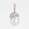Pendant, 18 carat white gold with south sea pearl and diamonds approx. 0.77 cts, according to information.