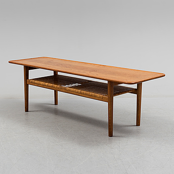 HANS J WEGNER, A 1950s/1960s coffie table by Hans Wegner.
