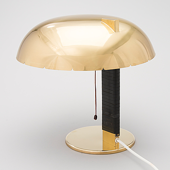 A mid 20th century '9228' table lamp for Idman Finland.