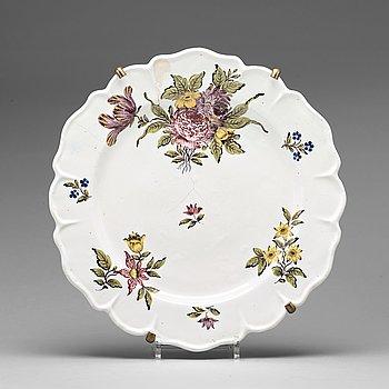 256. A Swedish Rörstrand faience serving dish, 18th Century.