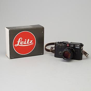 KAMERA, Leica M6 nr 1665566 från 1985, med Summilux 1:1,4/50 nr 3445477. Kameran med originalkartong.