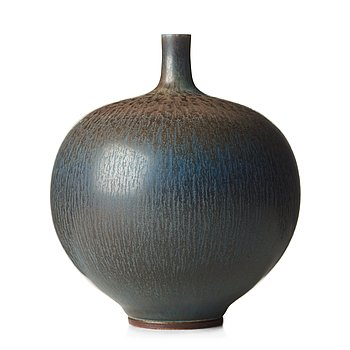 58. BERNDT FRIBERG, a stoneware vase, Gustavsberg studio, Sweden 1965.