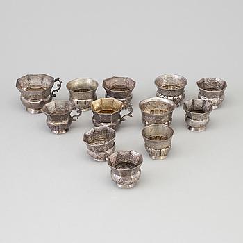 KOPPAR, 12 st, silver, Ryssland, olika modeller, merparten 1700-tal.