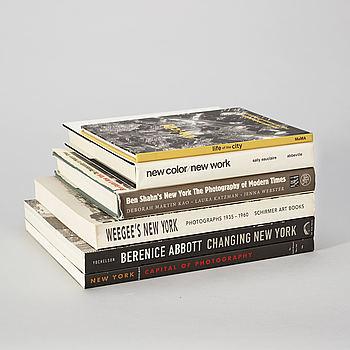 Photo books, 6, New York, e.a Berenice Abbott and Weegee.