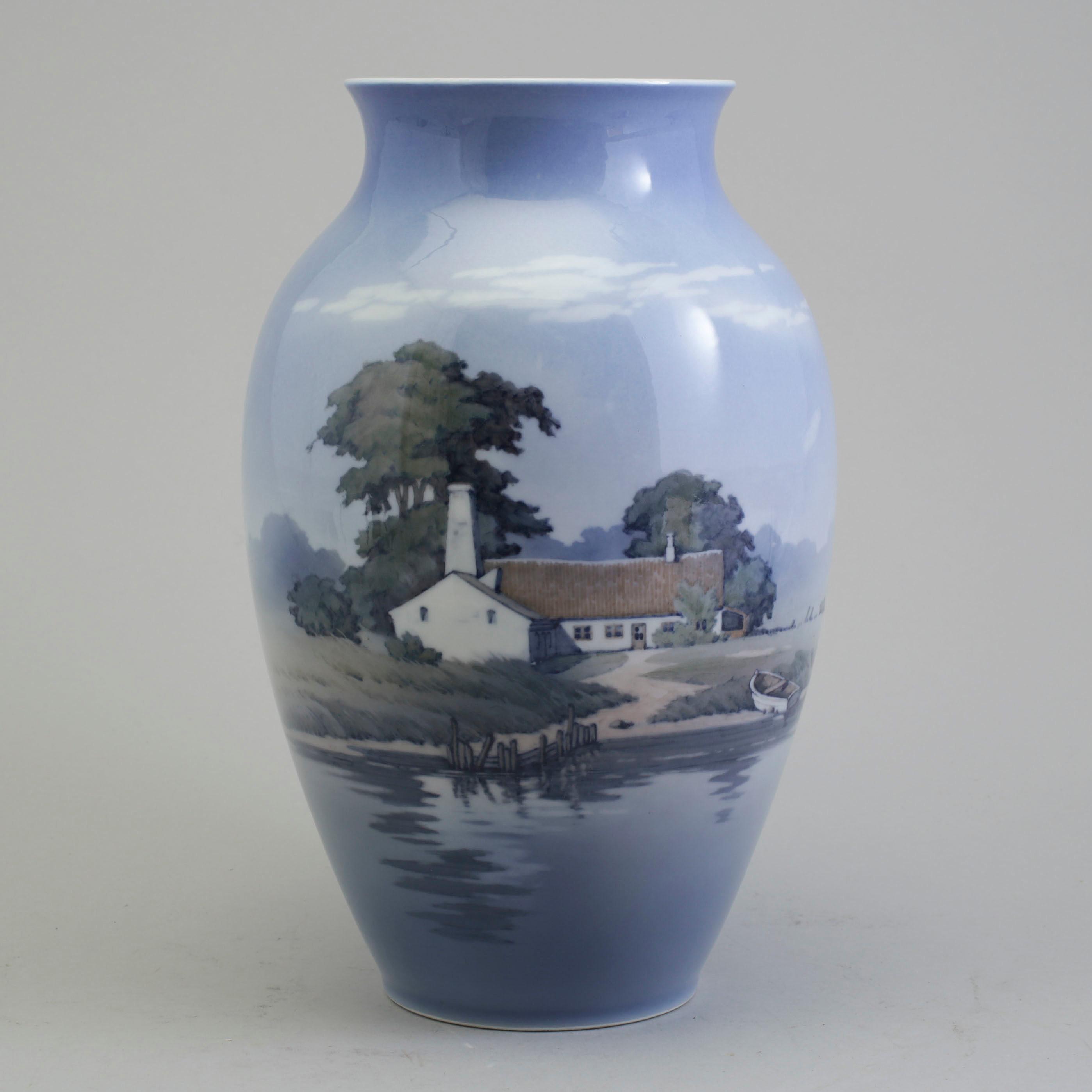 Royal copenhagen royal copenhagen vase porcelain denmark mid 11004537 bukobject reviewsmspy