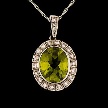 HÄNGE, fasettslipad peridot, åttkantslipade diamanter, 18K vitguld. A. Tillander, 1996.