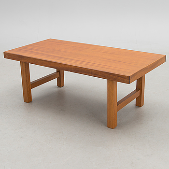 A mid-20th Century coffee table.