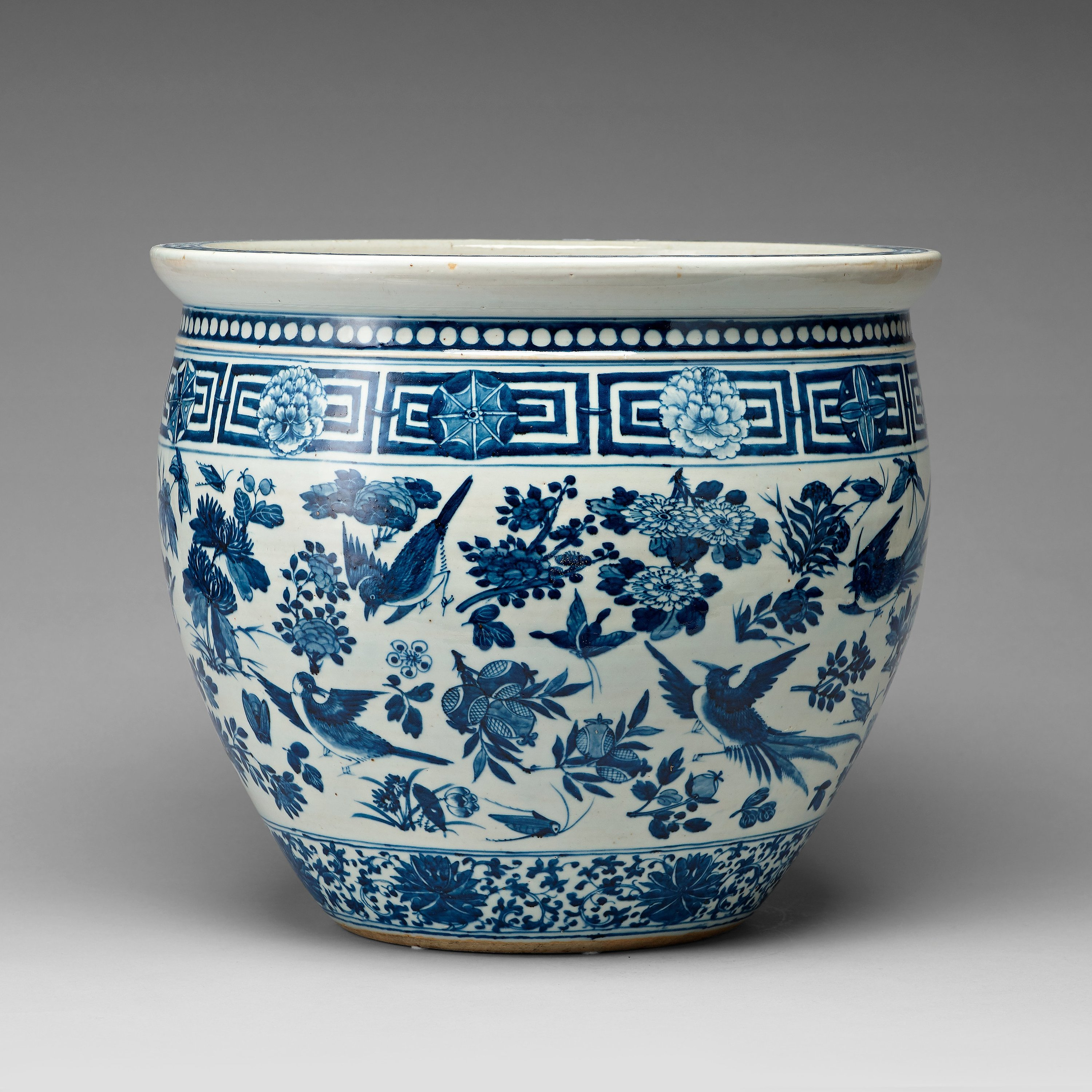A large blue and white flower pot late qing dynasty 18th century a large blue and white flower pot late qing dynasty 18th century bukowskis mightylinksfo