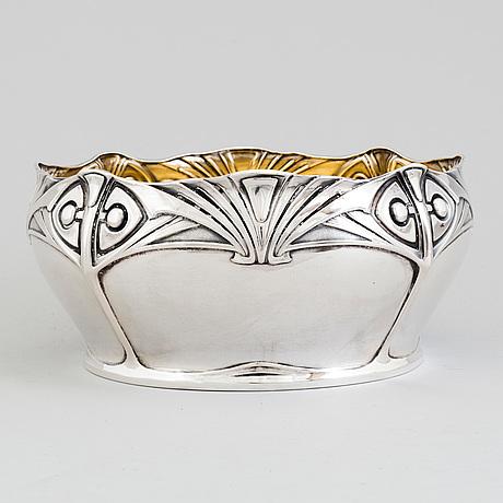 A swedish art nouveau parcel gilt silver centerpiece bowl, maker's mark cf carlman, stockholm 1907