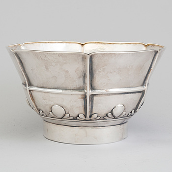 A Danish Art Nouveau sterling silver bowl, maker's mark Johan Rohde for A. Michelsen, Copenhagen 1919.