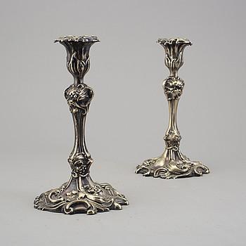 LJUSSTAKAR, ett par, pläter, rokokostil,  sent 1800-tal.
