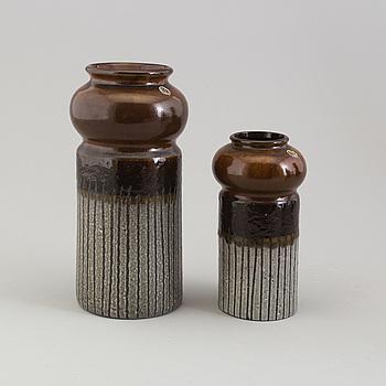 MARI SIMMULSON, vaser, ett par, lergods, Upsala Ekeby.