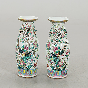 GOLVVASER 2 st Kina porslin omkring 1900.