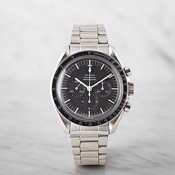14. OMEGA, Speedmaster, chronograph.