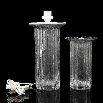 TIMO SARPANEVA, vas och bordslampa, glas, Lilux, 1900-talets andra hälft.