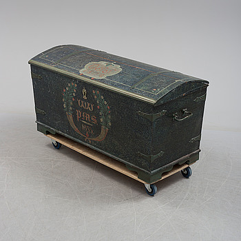 A early 19th century wooden chest.