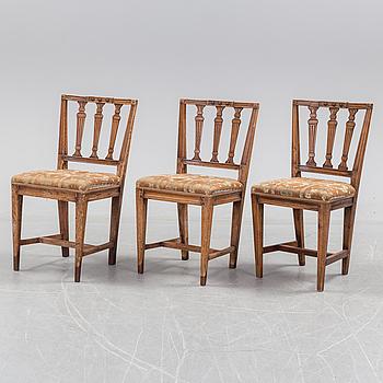 GUSTAVIANSK, Three circa 1800 Gustavian chairs.