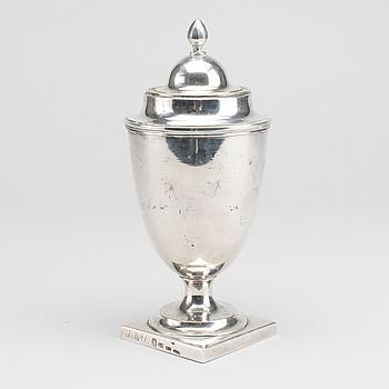 CARL JOHANN BERG, URNA MED LOCK, silver, St Petersburg 1798.