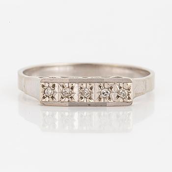 RING, med åttkantslipade diamanter.