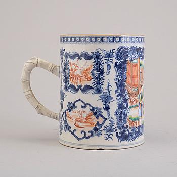 MUGG, porslin, Kina Qianlong (1736-95).