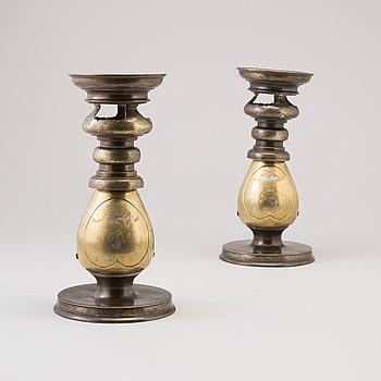 VASER, ett par, brons, Japan, 1900-talets första hälft.