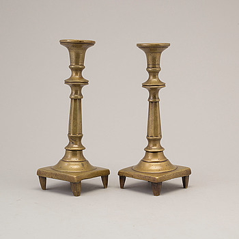 LJUSSTAKAR, ett par, brons, 1600-tal.