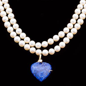 COLLIER, med odlade akoya pärlor samt Lapi Lazuli hänge med briljantslipade diamanter ca 0.05 ct.
