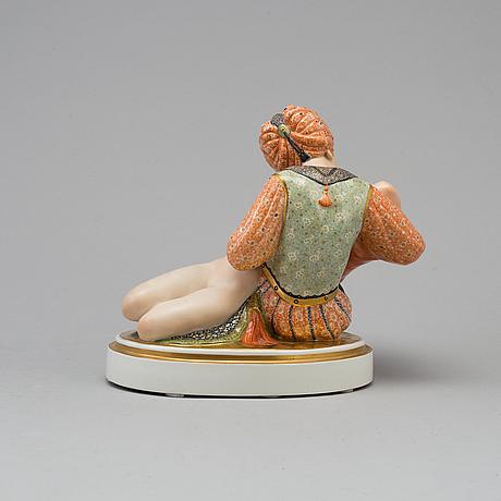"Figurin, porslin. ""eventyr iii"". gerhard henning, royal copenhagen, danmark, 1920 tal"