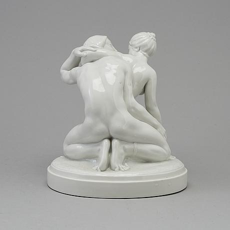 "Figurin, porslin. ""amor & psyke"", gerhard henning, royal copenhagen, danmark, tidigt 1900 tal"