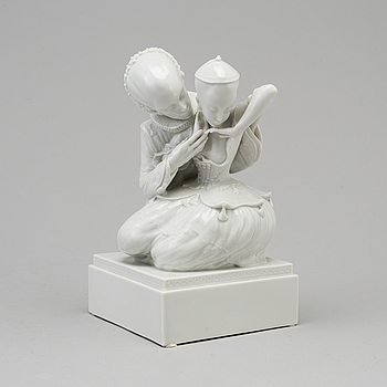 "FIGURIN, porslin. ""Eventyr nr 1"", Royal Copenhagen, Gerhard Henning, Danmark, 1920-tal."