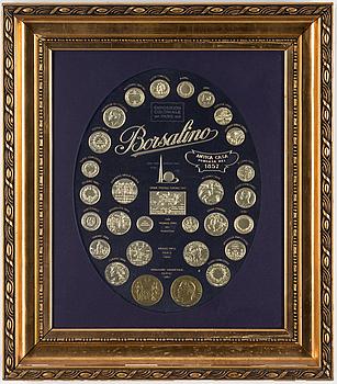 "MINNESTAVLA, ""Borsalino"" 1900-tal."