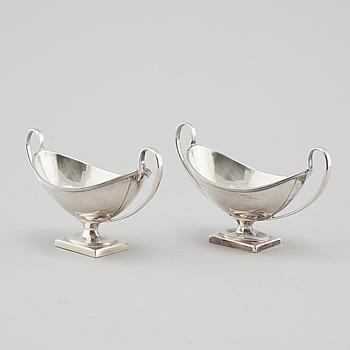 HOLLAND, SON & SLATER, saltkar, ett par, silver, London, 1883.