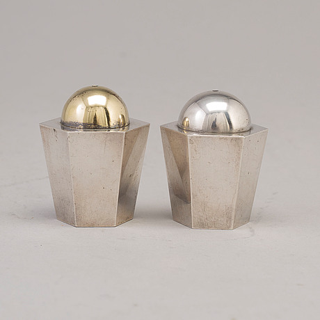 Wiwen nilsson, a par of salt and peppershakers, lund 1939 1940