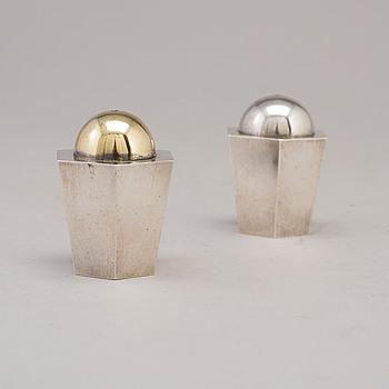 WIWEN NILSSON, Salt och pepparströare, silver och förgyllt silver, Lund 1939-40.