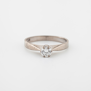 RING, med briljantslipad diamant 0.24 ct, Lennart Magnusson, Göteborg, 1981.