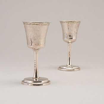 KALKAR, ett par, silver, 1853.