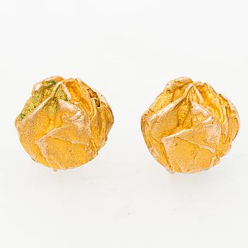 BJÖRN WECKSTRÖM, A PAIR OF BJÖRN WECKSTRÖM EARRINGS, 14K gold. Lapponia 1968.