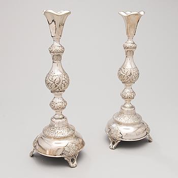 LJUSSTAKAR, ETT PAR. silver, mästarstämpel FG, Warszawa, 1880-90-tal.