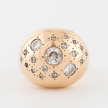 RING, med briljantslipade diamanter, Olle Torrestad, Halmstad 1964.