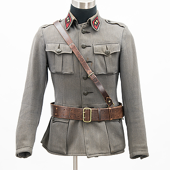An early to mid-20th Century set of militaria of the Finnish defense forces.