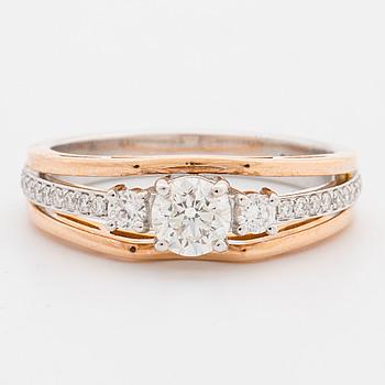 RING, med briljantslipade diamanter ca 0.74 ct.