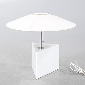 """BORDSLAMPA, design Bessfelt/von Sydow, modell """"Triggy"""", Ateljé Lyktan, Åhus, 1900-talets andra hälft."""