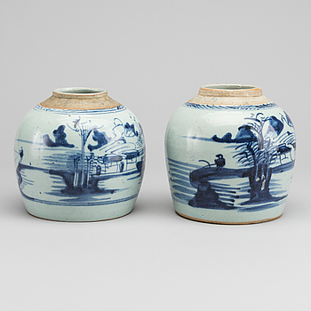 BOJANER, 2 st, porslin. Kina, Qingdynastin, sent 1800-tal.