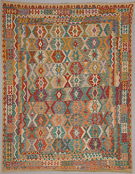 A carpet, Kelim. Circa 343 x 266 cm.