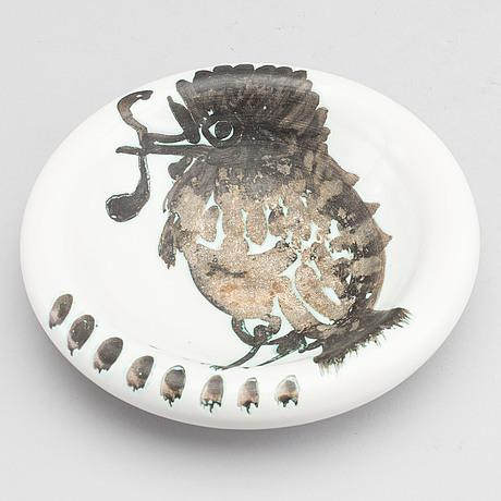 A pablo picasso faience bowl 'oiseau au ver', madoura, vallauris, france post 1952
