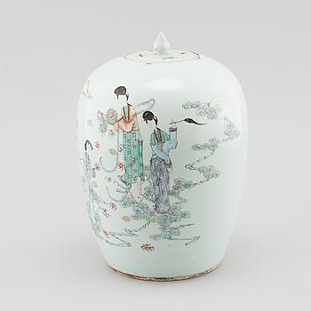 LOCKURNA, porslin, Kina, tidigt 1900-tal.