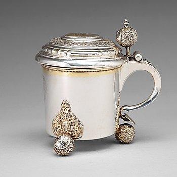 121. Niclas Fernlöf, dryckeskanna, silver, Karlstad 1742, senbarock.