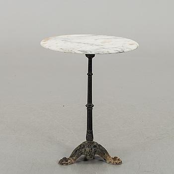A GARDEN TABLE END OF 20TH CENTURY,