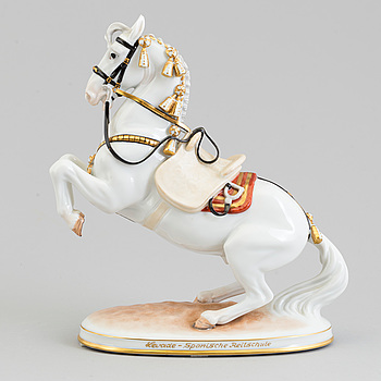 An Austrian Vienna porcelain figure of a horse, second half of 20th Century.